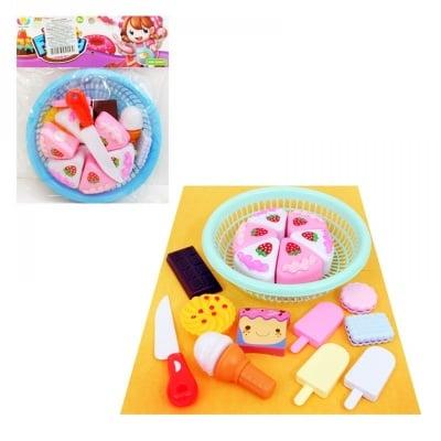 Комплект хранителни продукти и торта в панерче