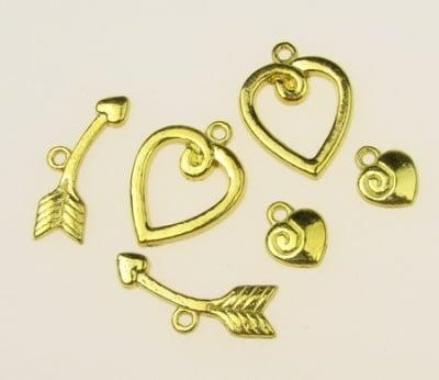 Закопчалка метална три части - сърце 15х20 мм, сърце 8.5х10 мм, стрела 23 мм дупка 1.5 мм - цвят злато -4 комплекта