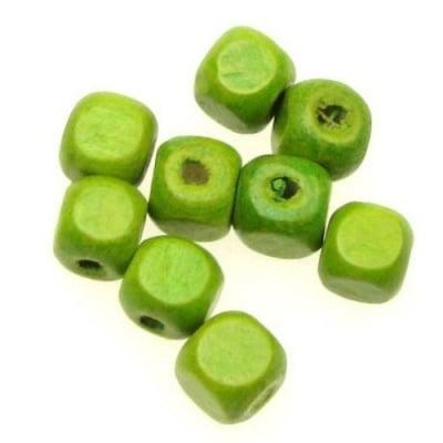 Куб дърво 8x8 мм отвор 3 мм зелен -50 грама ~220 броя