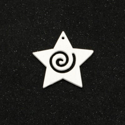 Висулка дървена звезда 30x31x2 мм дупка 1 мм бяла -10 броя