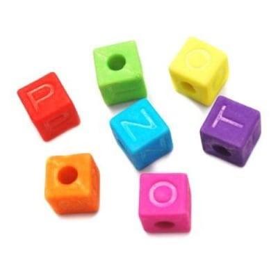 Мънисто плътно матирано куб 9 мм отвор 4 мм цветна -50 грама ~70 броя