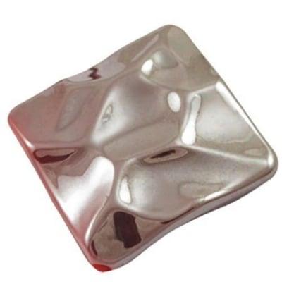 Мъниста плътна с черно UV покритие квадрат 29 мм отвор 2.5 мм червен -20 грама