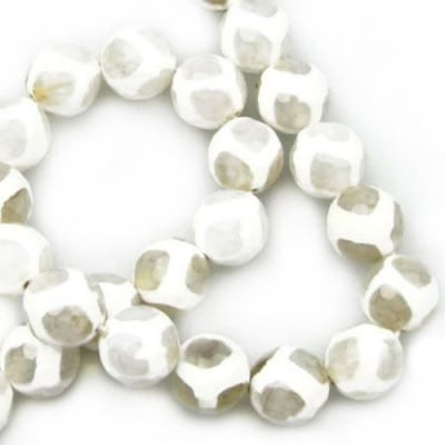 Наниз мъниста полускъпоценен камък АХАТ бял топче фасетирано 12 мм ~32 броя