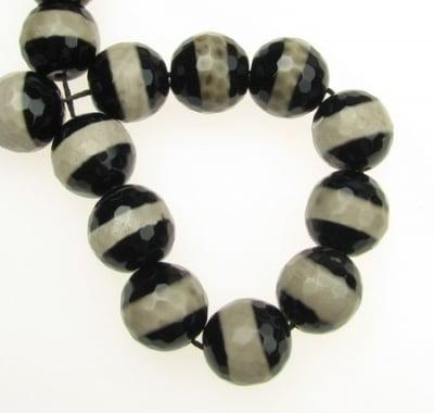 Наниз мъниста полускъпоценен камък АХАТ черно-бял топче фасетирано 14 мм ~28 броя