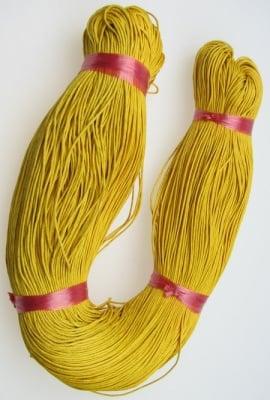 Шнур памук колосан 1 мм жълт тъмно ~76 метра
