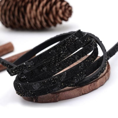 Лента изкуствена кожа 5x2 мм черна с брокатени частици -1.40 метра
