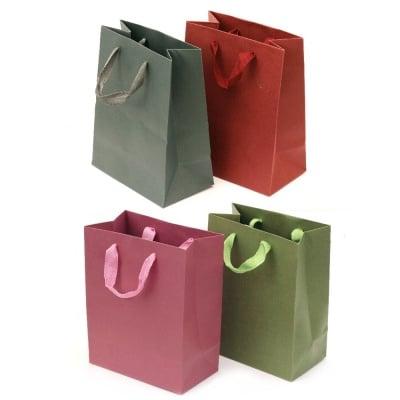 Торбичка подаръчна от картон 18x23 см едноцветни АСОРТЕ
