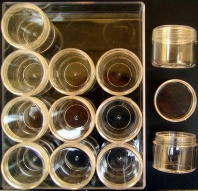 Кутия за мъниста 16х12х4 см с 12 цилиндрични кутийки