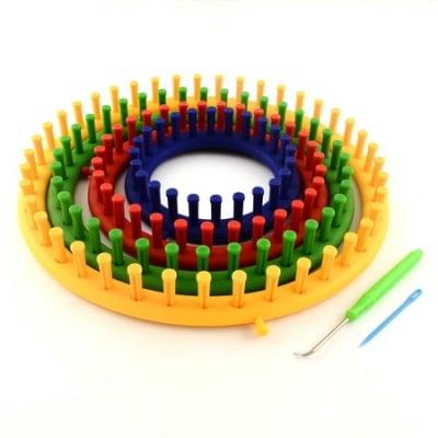 Комплект форми за плетене на шапки 7 части - 4 кръга 14-19-24-29 см кука и две игли