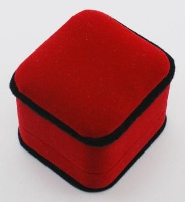 Кутийка за бижута 5.5х4.5 см кадифена червена