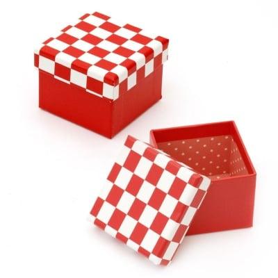 Кутийка за бижута 70x59 мм картон бяло и червено