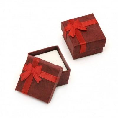 Кутийка за бижута 40x40 мм червена