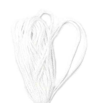 Мулине бяло 6 нишки ~8 метра