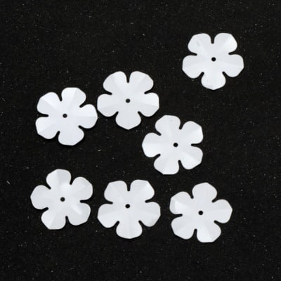 Пайети цвете 20 мм бели - 20 грама