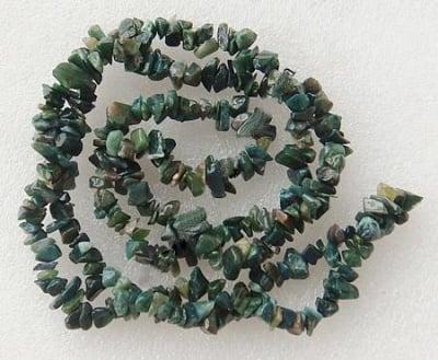 Наниз естествени камъни АХАТ МЪХЕСТ чипс 8-12 мм ~90 см