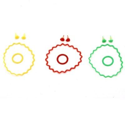 Комплект гривни 12 броя пръстен 6 броя обеци 3 чифта пластмаса