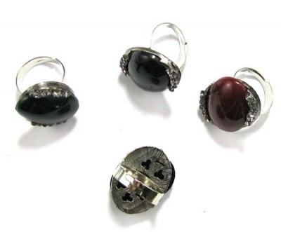 Пръстен метал пластмаса кристали
