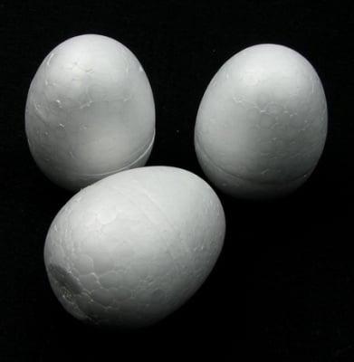 Яйце стиропор 67х47 мм за декорация -1 брой