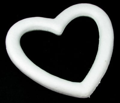 Сърце стиропор с дупка 230 мм за декорация -1 броя