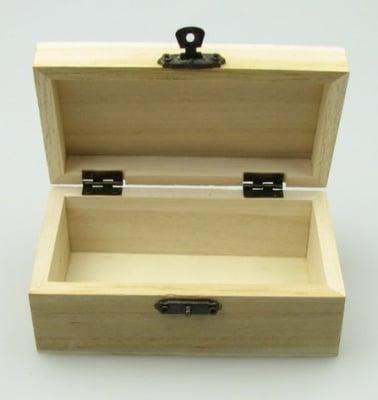 Кутия дървена 125х70х50 мм тъмна закопчалка