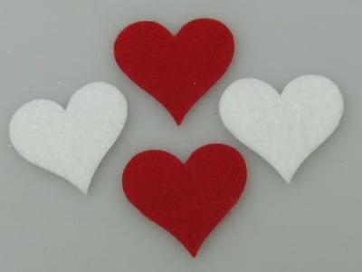 Сърце филц32x34x2 мм бяло и червено по 5 броя