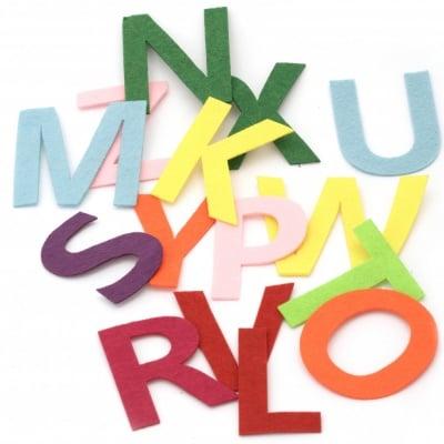АЗБУКА филц 76~80x29~108x1.5 мм букви от A до Z микс цветове -26 броя
