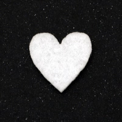 Сърце филц 21x20 мм бяло -10 броя