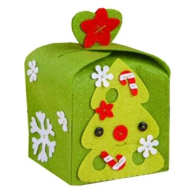 """Комплект """"Направи си сам"""" кутия за Коледа -филц,игла и конец"""