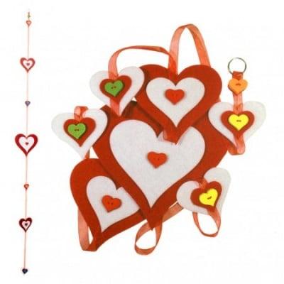 """Комплект """"Направи си сам"""" Висяща украса сърца от филц - червени 15x150 см"""