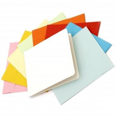Комплект основа за картичка 13x13 см с плик 14.2x14.6 мм АСОРТЕ