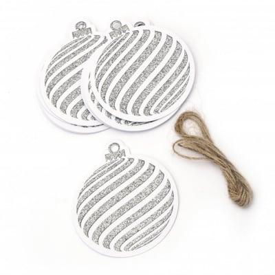 Картонени тагове 7.2x8.2 см коледен мотив брокат сребро с шнур юта ±12 броя