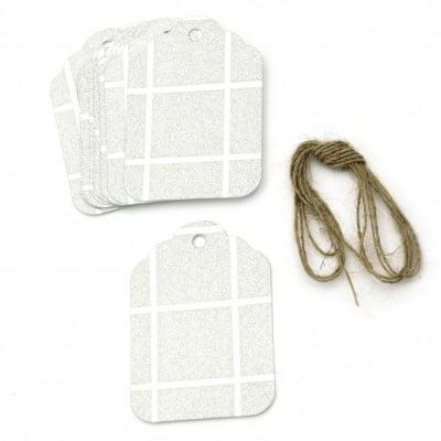Картонени тагове 5.7x8.5 см картон брокат квадрати сребро с шнур юта -12 броя