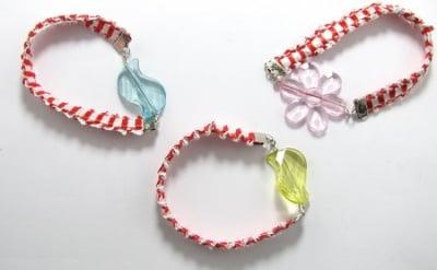 Мартеници гривна ластична с цветна фигурка 10 броя