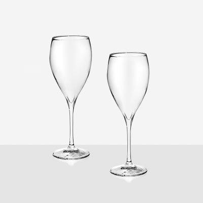 Only One 2 чаши червено вино