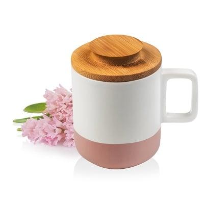 Чаша с дървено капаче
