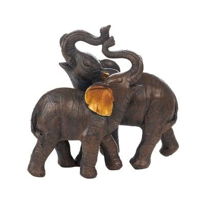 Прегърнати слончета