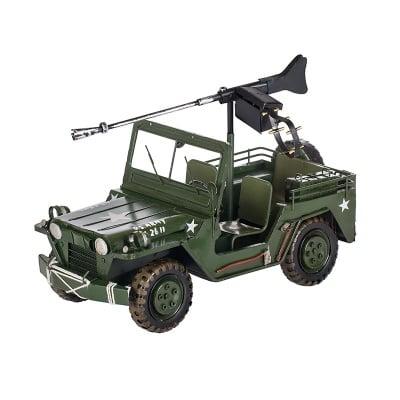 Военен джип зелен