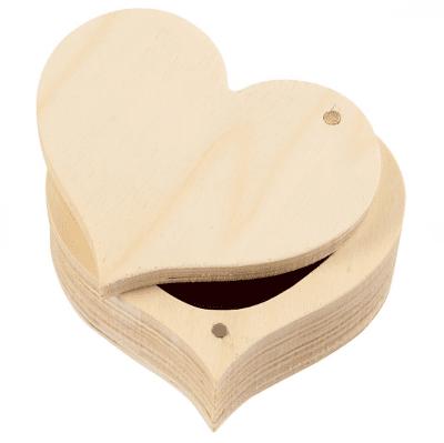 Дървена кутия, Сърце, 9 x 4 cm