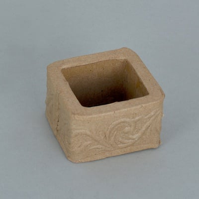 Декоративна поставка от папие маше, квадрат с орнаменти, 5 x 5 x 3 cm