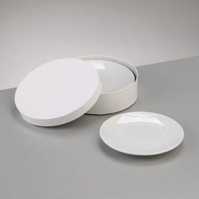 Порцеланова чиния в подаръчна кутия, ф 15 cm, 4