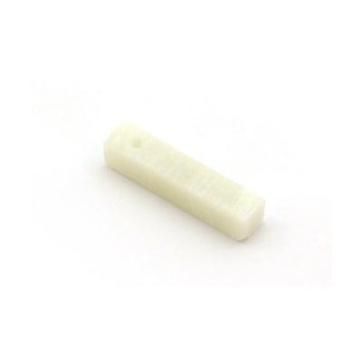 Сапунен камък за изработка на амулет с отвор, 5 cm, бял