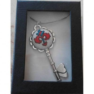 Медальон КЛЮЧ с бродерия