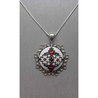 Медальон с бродирана шевица от Самоковския регион