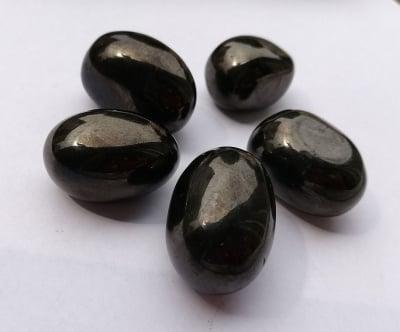 НАТУРАЛЕН ГАГАТ - един от най-силните камъни против депресия и поглъщане на негативна енергия