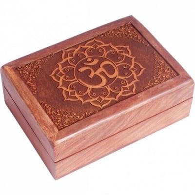 Кутия дървена - гравиран палисандър *различни видове
