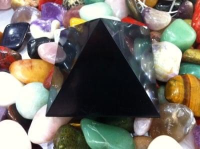 ПИРАМИДА ШУНГИТ - със скъпоценни лечебни качества и чудни енергийни свойства