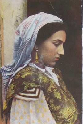 Притча за съпругата на равина и за роклята, която тя подарила