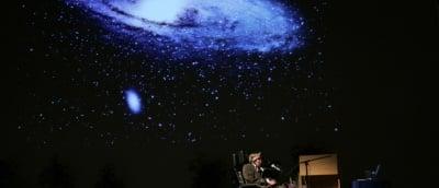 Стивън Хокинг: На човечеството му остават 100 години