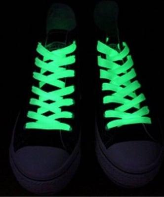 Светещи връзки за обувки - флуоресцентни - различни цветове