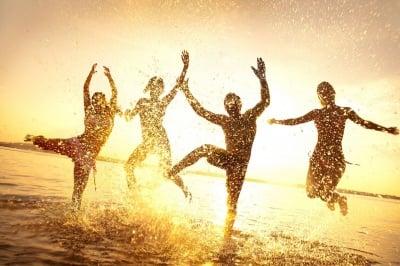 Законът на Привличането и приятелите - 4 качества, които да търсите в тях